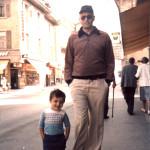 صورة لأحمد مصطفى الرفاعى بصحبة والده - سويسرا عام ١٩٨١