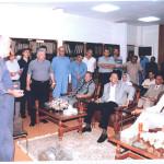إجتماع خلال الزيارات الميدانية لمنجم فحم المغارة عام ٢٠٠١ و يرى بها محافظ سيناء و محافظ السويس